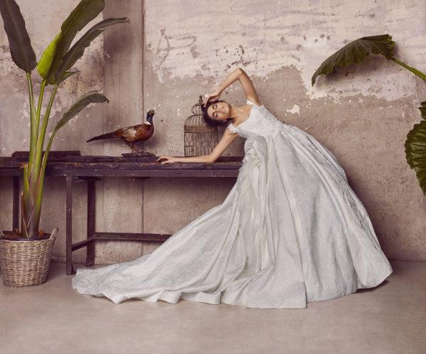 httpsapi.esposacouture.comcontentuploadsCampaign2018_4_Esposa_Couture_Look_5_0513-copy
