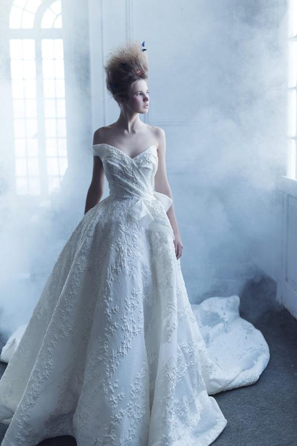 httpsapi.esposacouture.comcontentuploadsCampaignYameen-Esposacouture-2020-Bridal-Wedding-Dress-1