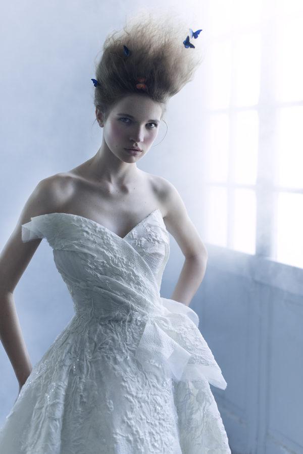 httpsapi.esposacouture.comcontentuploadsCampaignYameen-Esposacouture-2020-Bridal-Wedding-Dress-3