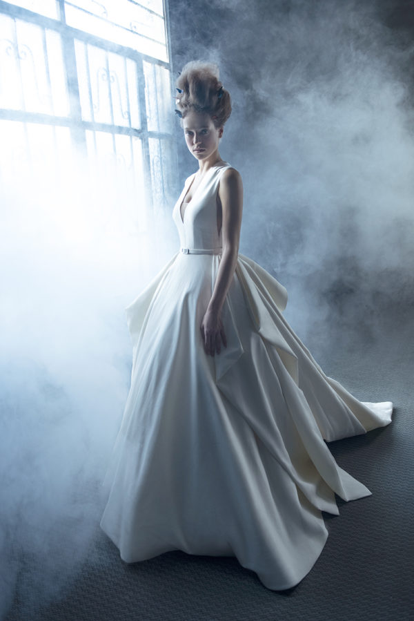 httpsapi.esposacouture.comcontentuploadsCampaignYasma-Yve-Esposacouture-2020-Bridal-Wedding-Dress-1