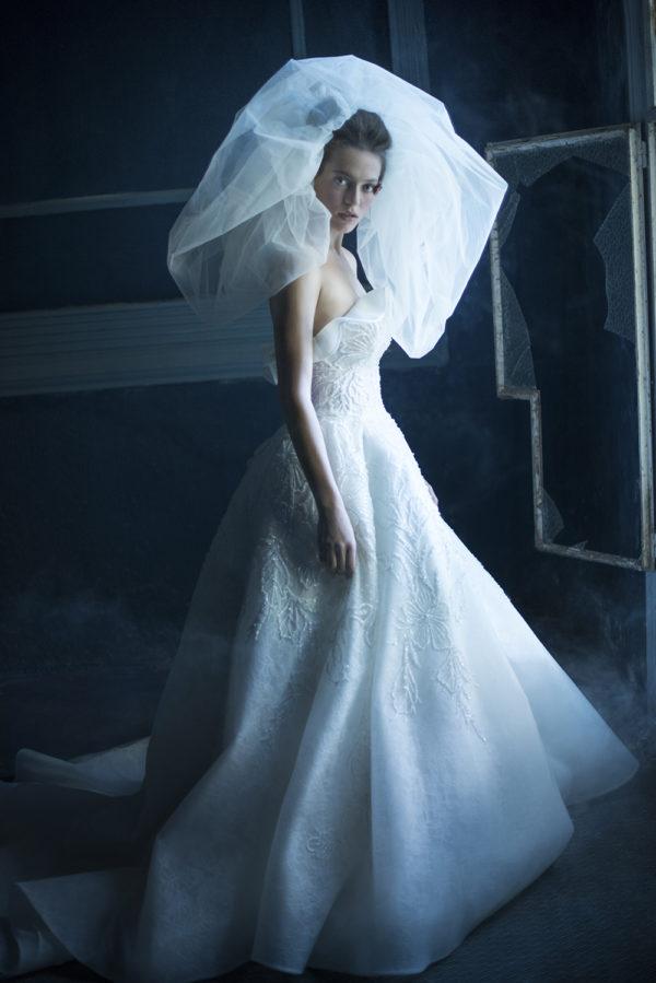 httpsapi.esposacouture.comcontentuploadsCampaignYorna-Esposacouture-2020-Bridal-Wedding-Dress-2