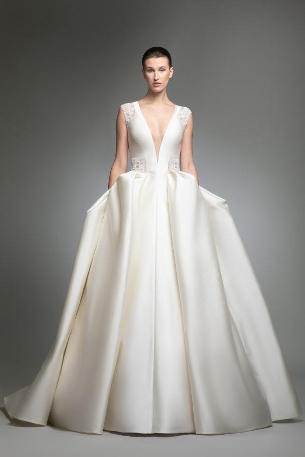 httpsapi.esposacouture.comcontentuploadsCollectionPicture037Yohny-esposacouture-Kristie-romanos-Wedding-1