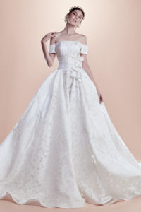 httpsapi.esposacouture.comcontentuploadsCollectionPicture148Ball-Gown-Wedding-Dress-EsposaCouture-Ray-1