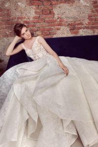 httpsapi.esposacouture.comcontentuploadsCollectionPicture184Ballgown-Wedding-Dress-EsposaCouture-Layla