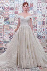 httpsapi.esposacouture.comcontentuploadsCollectionPicture236Ball-Gown-Wedding-Dress-Plume-by-Esposa-Epalinas-1