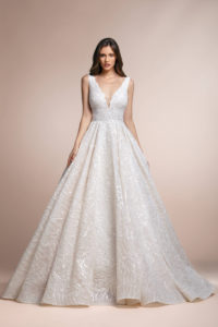 httpsapi.esposacouture.comcontentuploadsCollectionPicture399Picassea-Plume-by-Esposa-Wedding1
