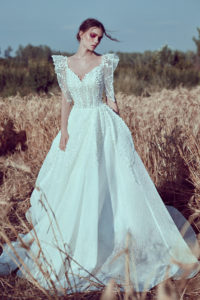 httpsapi.esposacouture.comcontentuploadsCollectionPicture408Ball-Gown-Wedding-Dress-Plume-by-Esposa-Oelle-1