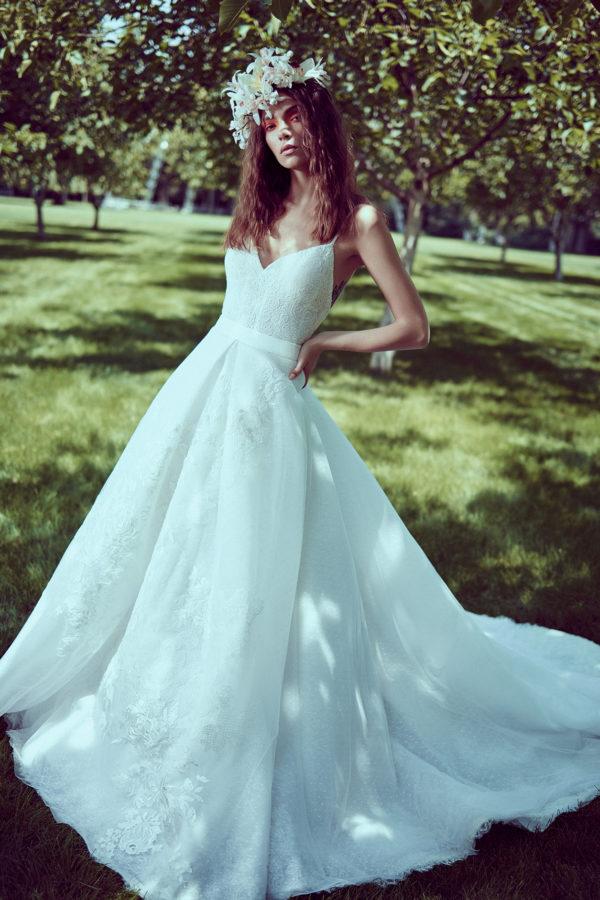 httpsapi.esposacouture.comcontentuploadsCollectionPicture435Mermaid-Wedding-Dress-Plume-by-Esposa-Oliva-1