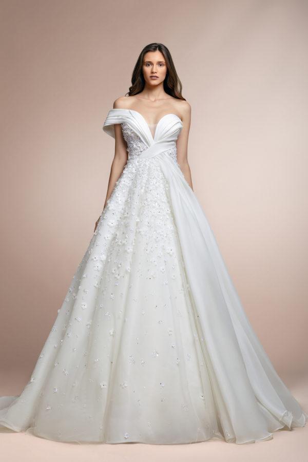 httpsapi.esposacouture.comcontentuploadsCollectionPicture470Pablo-Plume-by-Esposa-Wedding1