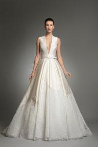 httpsapi.esposacouture.comcontentuploadsCollectionPicture531Yve-esposacouture-Kristie-romanos-Wedding-1