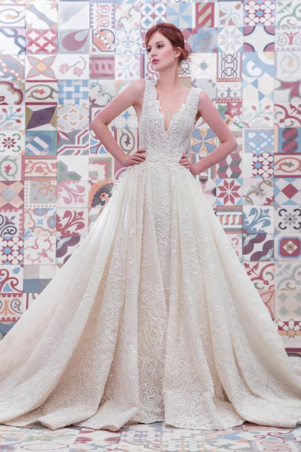 httpsapi.esposacouture.comcontentuploadsCollectionPicture557Ball-Gown-Wedding-Dress-Plume-by-Esposa-Emilda-1
