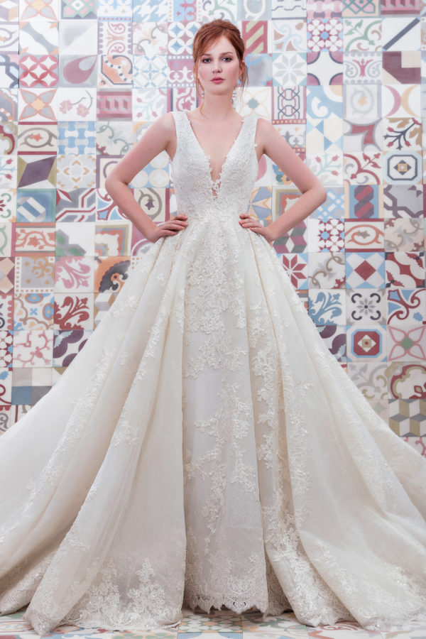 httpsapi.esposacouture.comcontentuploadsCollectionPicture681Ball-Gown-Wedding-Dress-Plume-by-Esposa-Emerald-1