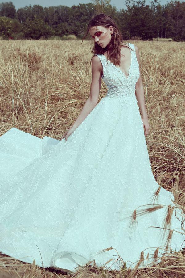 httpsapi.esposacouture.comcontentuploadsCollectionPicture794A-Line-Wedding-Dress-Plume-by-Esposa-Owen-1