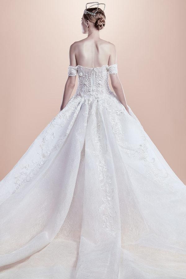 httpsapi.esposacouture.comcontentuploadsCollectionPicture820Ball-Gown-Wedding-Dress-EsposaCouture-Rawan-2