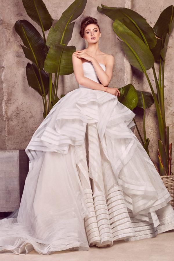 httpsapi.esposacouture.comcontentuploadsCollectionPicture985Ballgown-Wedding-Dress-EsposaCouture-Lolika-2-1