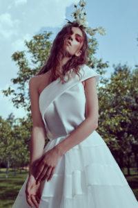 httpsapi.esposacouture.comcontentuploadsCollectionPictureA-Line-Wedding-Dress-Plume-by-Esposa-Oursoula-2