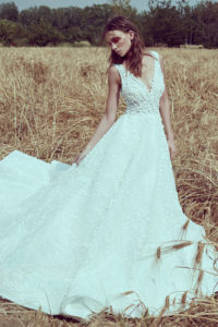 httpsapi.esposacouture.comcontentuploadsCollectionPictureA-Line-Wedding-Dress-Plume-by-Esposa-Owen-1