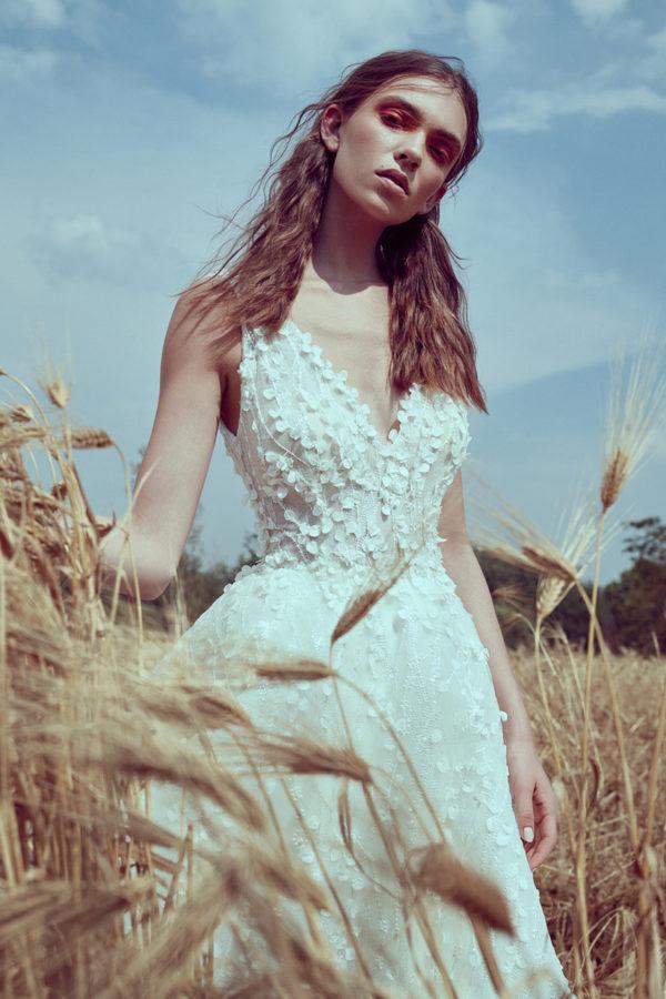 httpsapi.esposacouture.comcontentuploadsCollectionPictureA-Line-Wedding-Dress-Plume-by-Esposa-Owen-2