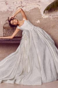 httpsapi.esposacouture.comcontentuploadsCollectionPictureBall-Gown-Wedding-Dress-EsposaCouture-Langdon-2