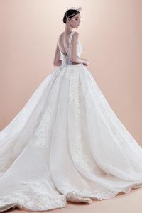 httpsapi.esposacouture.comcontentuploadsCollectionPictureBall-Gown-Wedding-Dress-EsposaCouture-Rahul-2
