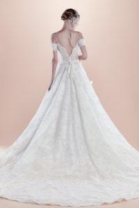 httpsapi.esposacouture.comcontentuploadsCollectionPictureBall-Gown-Wedding-Dress-EsposaCouture-Raysa-2