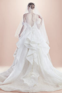httpsapi.esposacouture.comcontentuploadsCollectionPictureBall-Gown-Wedding-Dress-EsposaCouture-Renato-2