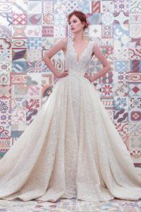 httpsapi.esposacouture.comcontentuploadsCollectionPictureBall-Gown-Wedding-Dress-Plume-by-Esposa-Emilda-1