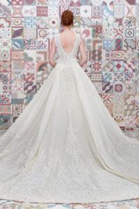 httpsapi.esposacouture.comcontentuploadsCollectionPictureBall-Gown-Wedding-Dress-Plume-by-Esposa-Emilda-2