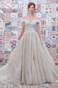 httpsapi.esposacouture.comcontentuploadsCollectionPictureBall-Gown-Wedding-Dress-Plume-by-Esposa-Epalinas-1