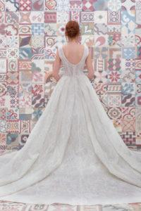 httpsapi.esposacouture.comcontentuploadsCollectionPictureBall-Gown-Wedding-Dress-Plume-by-Esposa-Erican-2