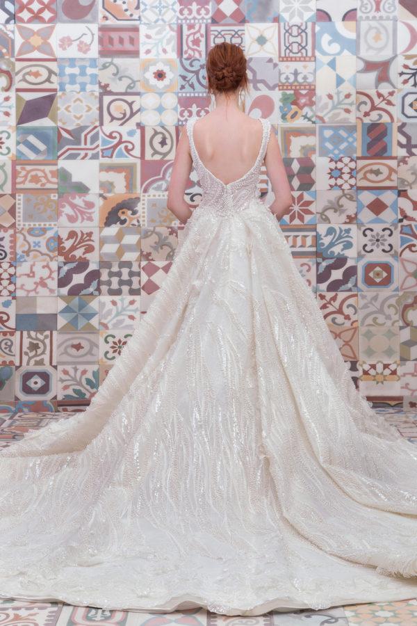 httpsapi.esposacouture.comcontentuploadsCollectionPictureBall-Gown-Wedding-Dress-Plume-by-Esposa-Esthera-2