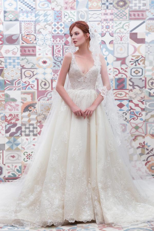 httpsapi.esposacouture.comcontentuploadsCollectionPictureBall-Gown-Wedding-Dress-Plume-by-Esposa-Evanka-1