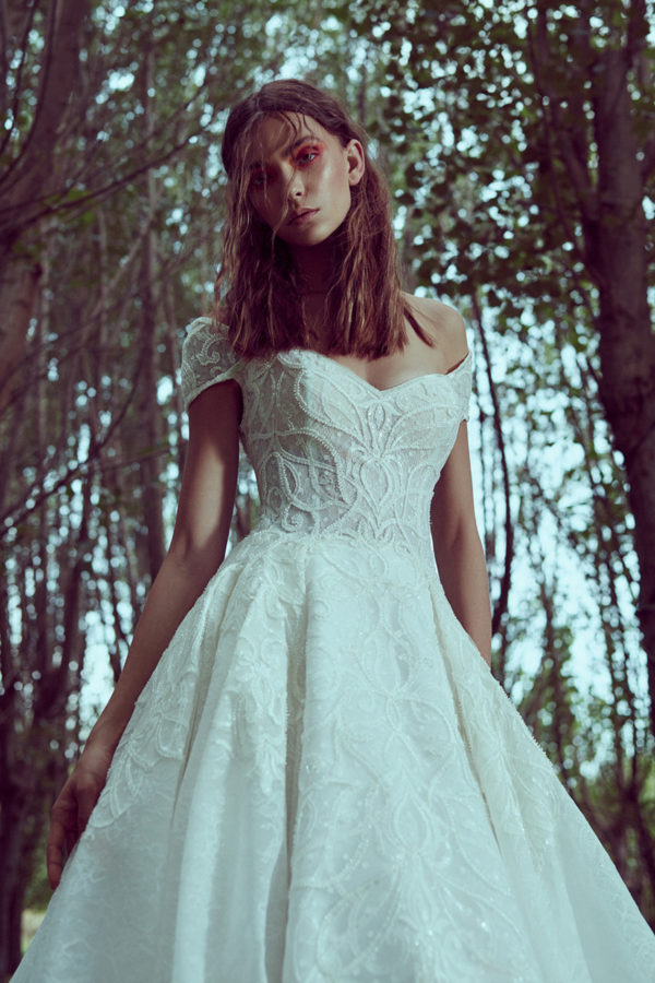 httpsapi.esposacouture.comcontentuploadsCollectionPictureBall-Gown-Wedding-Dress-Plume-by-Esposa-Odette-2