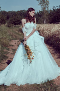 httpsapi.esposacouture.comcontentuploadsCollectionPictureBall-Gown-Wedding-Dress-Plume-by-Esposa-Orore-1