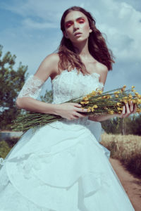 httpsapi.esposacouture.comcontentuploadsCollectionPictureBall-Gown-Wedding-Dress-Plume-by-Esposa-Orore-2