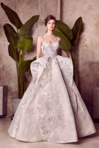 httpsapi.esposacouture.comcontentuploadsCollectionPictureBallgown-Wedding-Dress-EsposaCouture-Lavania-1