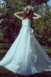 httpsapi.esposacouture.comcontentuploadsCollectionPictureMermaid-Wedding-Dress-Plume-by-Esposa-Oliva-3