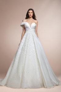 httpsapi.esposacouture.comcontentuploadsCollectionPicturePablo-Plume-by-Esposa-Wedding1