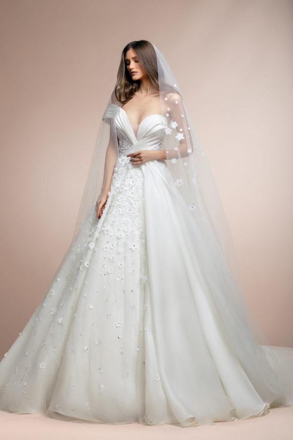 httpsapi.esposacouture.comcontentuploadsCollectionPicturePablo-Plume-by-Esposa-Wedding2