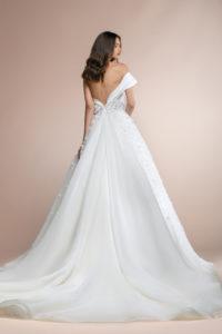 httpsapi.esposacouture.comcontentuploadsCollectionPicturePablo-Plume-by-Esposa-Wedding4