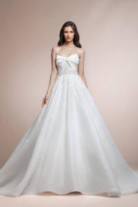 httpsapi.esposacouture.comcontentuploadsCollectionPicturePalmera-Plume-by-Esposa-Wedding1