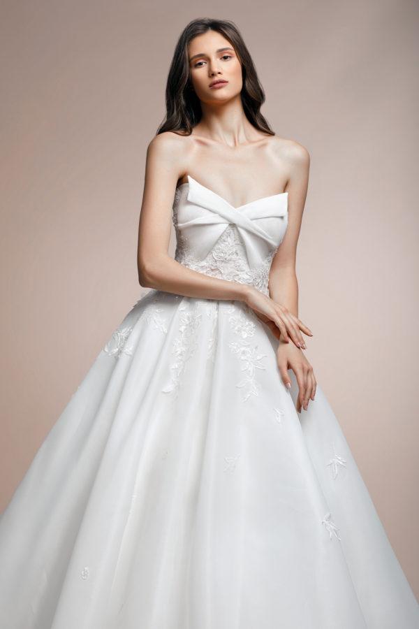 httpsapi.esposacouture.comcontentuploadsCollectionPicturePalmera-Plume-by-Esposa-Wedding2