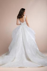 httpsapi.esposacouture.comcontentuploadsCollectionPicturePaxima-Plume-by-Esposa-Wedding2-1