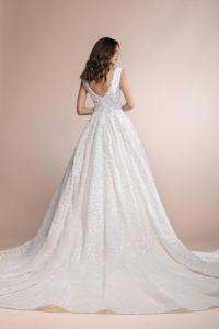 httpsapi.esposacouture.comcontentuploadsCollectionPicturePirola-Plume-by-Esposa-Wedding3