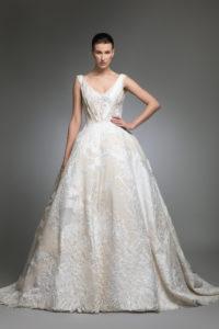 httpsapi.esposacouture.comcontentuploadsCollectionPictureYancy-esposacouture-Kristie-romanos-Wedding-1