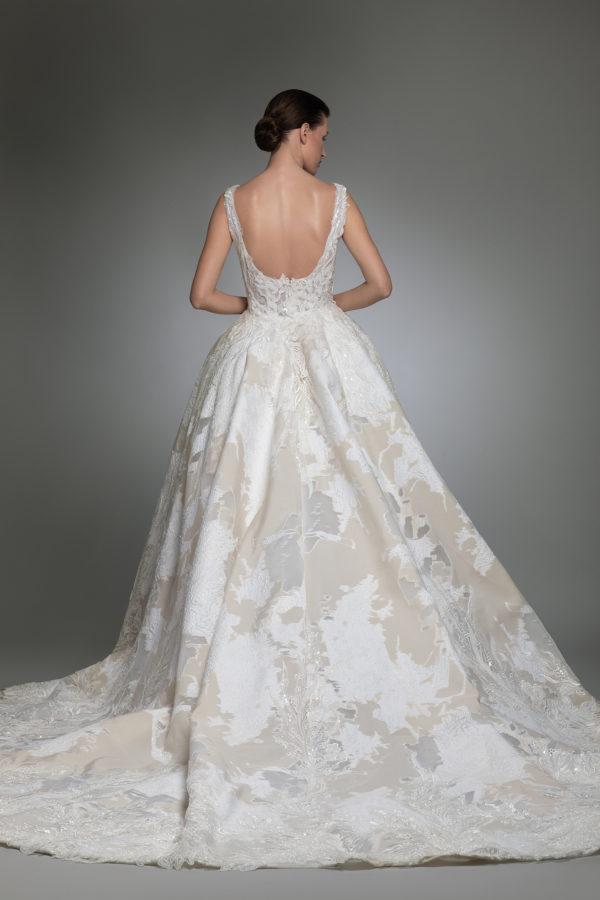 httpsapi.esposacouture.comcontentuploadsCollectionPictureYancy-esposacouture-Kristie-romanos-Wedding-3