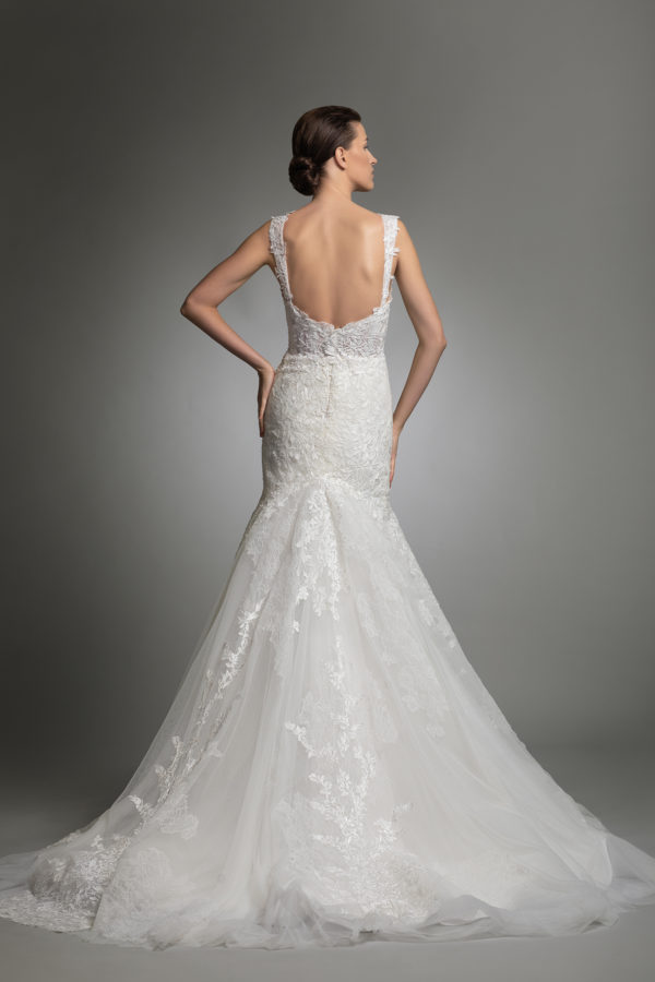 httpsapi.esposacouture.comcontentuploadsCollectionPictureYardley-esposacouture-Kristie-romanos-Wedding-5