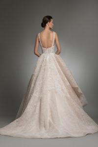 httpsapi.esposacouture.comcontentuploadsCollectionPictureYarine-esposacouture-Kristie-romanos-Wedding-2