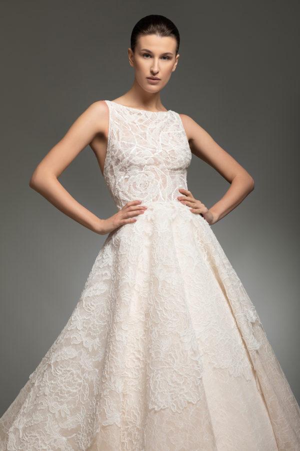 httpsapi.esposacouture.comcontentuploadsCollectionPictureYarine-esposacouture-Kristie-romanos-Wedding-4