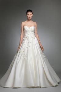 httpsapi.esposacouture.comcontentuploadsCollectionPictureYashel-esposacouture-Kristie-romanos-Wedding-1